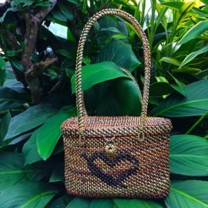 Terra Verde #4 - Shoulder Bag Oval with Heart Design